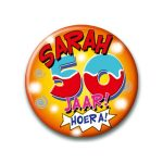 Button hoera Sarah