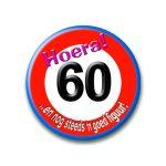 Button verkeersbord 60 hoera
